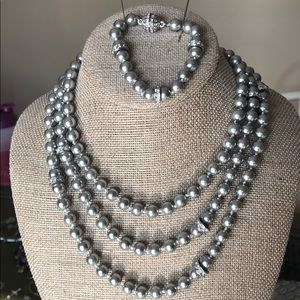 Silver classic Convertible Pearl Necklace